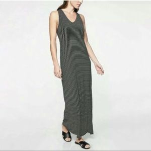 Athleta Getaway Maxi Dress V neck Black Stripe S